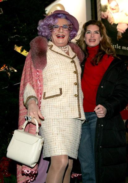 Christmas Decoration「Broadway Holiday Tree Lighting」:写真・画像(16)[壁紙.com]