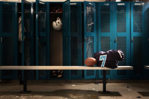High School「Football Locker room」:スマホ壁紙(12)