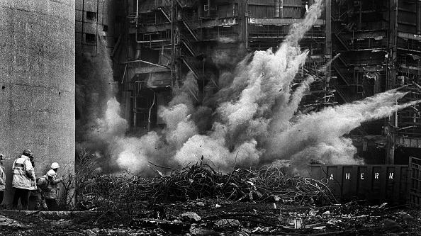 Hardhat「Detonating Explosives, UK」:写真・画像(13)[壁紙.com]