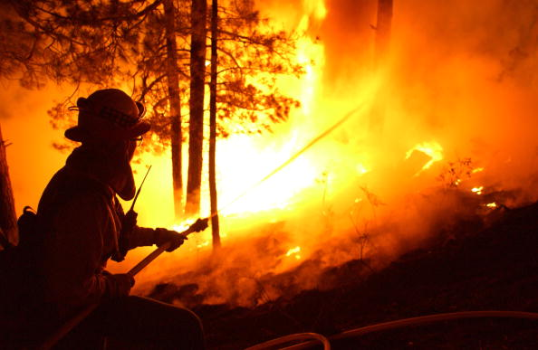 Aspen Tree「Firefighters Work To Control Arizona Blaze」:写真・画像(2)[壁紙.com]