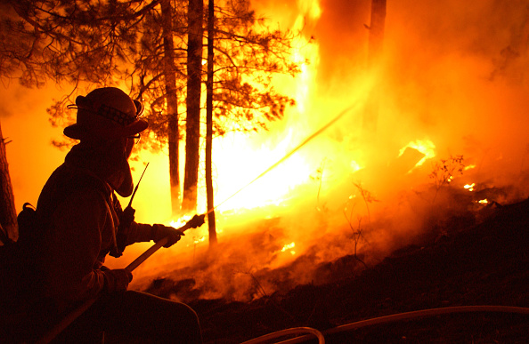 Aspen Tree「Firefighters Work To Control Arizona Blaze」:写真・画像(6)[壁紙.com]