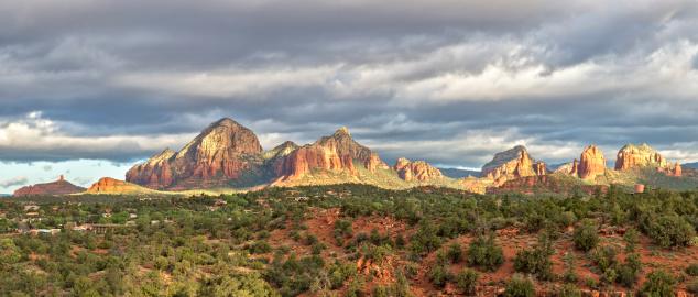 Sedona「Sedona, Arizona and red rocks panorama」:スマホ壁紙(14)