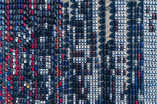 Motorized Vehicle Riding「A line of cars.」:スマホ壁紙(4)