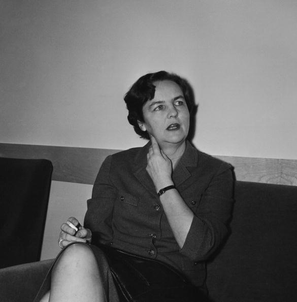 Evening Standard「Jessica Mitford」:写真・画像(15)[壁紙.com]