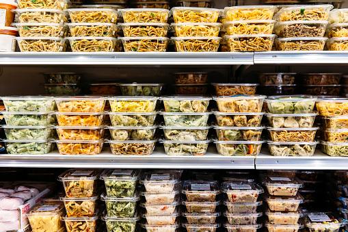St「Packaged deli foods on store shelves」:スマホ壁紙(12)