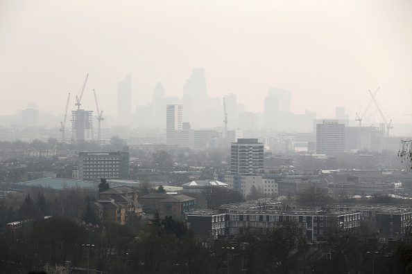 Air Pollution「Warnings Are Given On Air Pollution Levels Across The UK」:写真・画像(4)[壁紙.com]