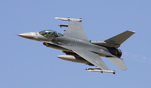 USAF「USAF Tests Weapons In Nevada Desert」:写真・画像(2)[壁紙.com]