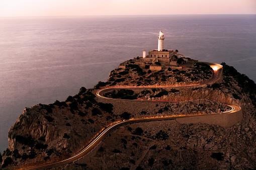 Hairpin Curve「Lighthouse in Cap de Formentor, Mallorca.」:スマホ壁紙(17)