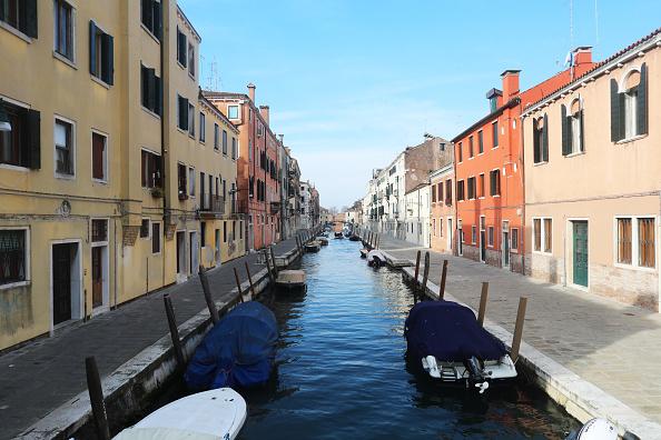 Canal「Venice Hauntingly Quiet Amid COVID-19 Quarantine」:写真・画像(0)[壁紙.com]