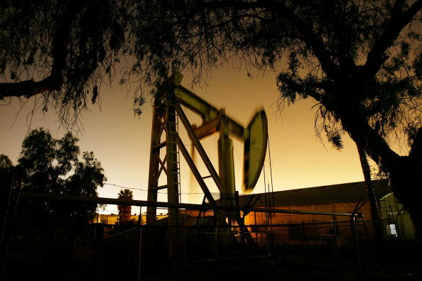 David McNew「Oil Prices Hit Historic High On Weak Dollar」:写真・画像(11)[壁紙.com]