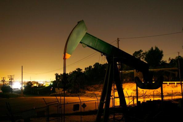 David McNew「Oil Prices Hit Historic High On Weak Dollar」:写真・画像(12)[壁紙.com]