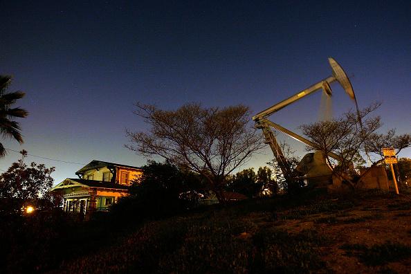 David McNew「Oil Prices Hit Historic High On Weak Dollar」:写真・画像(13)[壁紙.com]