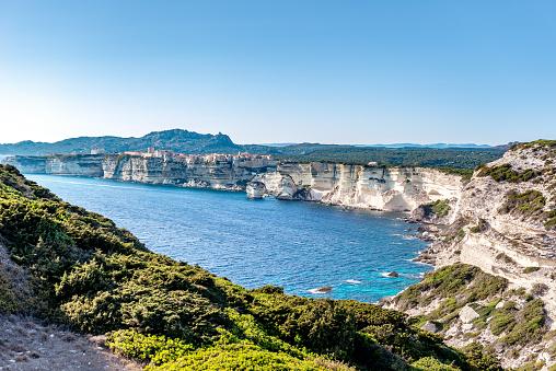 Tyrrhenian Sea「Bonifacio - cliffs at south Corsica」:スマホ壁紙(7)
