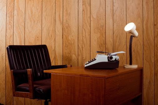 1980-1989「1970s office desk and chair」:スマホ壁紙(7)