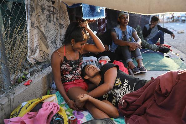 John Moore「Migrant Caravan Traveling Through Mexico Nears U.S.」:写真・画像(3)[壁紙.com]