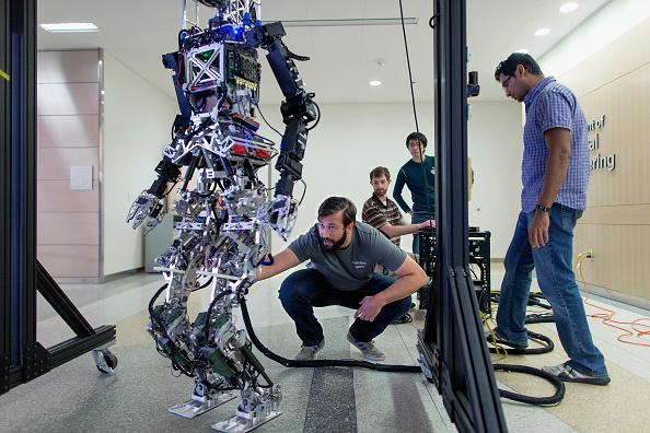 Technology「Researchers And Virginia Tech Students Prepare For DARPA Robotics Challenge」:写真・画像(17)[壁紙.com]
