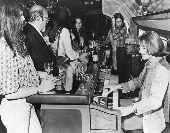 Hulton Archive「In Flight Music」:写真・画像(17)[壁紙.com]