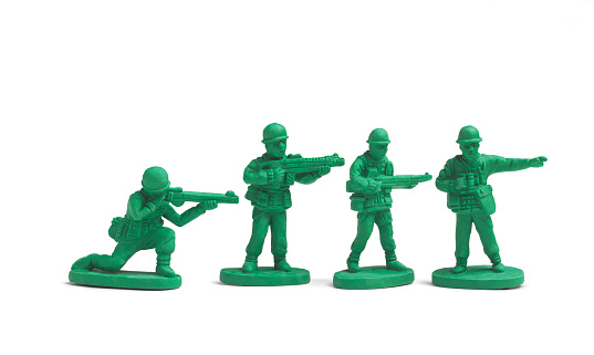 Male Likeness「Plastic toy soldiers in a line」:スマホ壁紙(8)