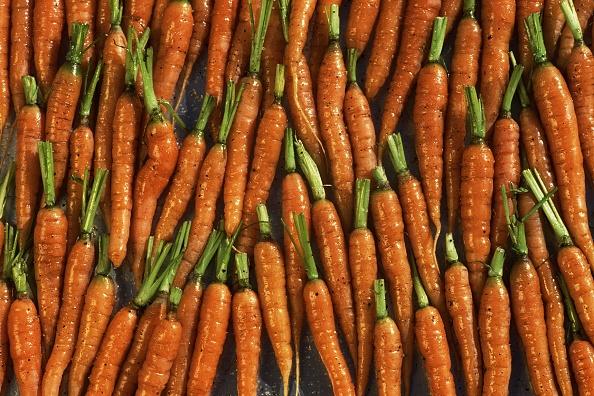 Carrot「Organically Grown Baby Heirloom Carrots」:写真・画像(1)[壁紙.com]