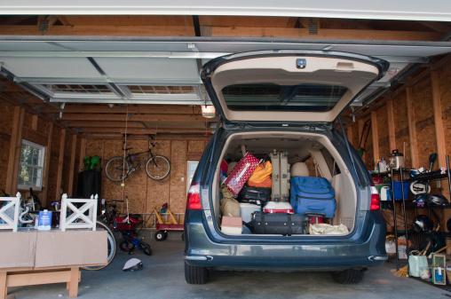 Van - Vehicle「Mini-van packed for trip」:スマホ壁紙(10)