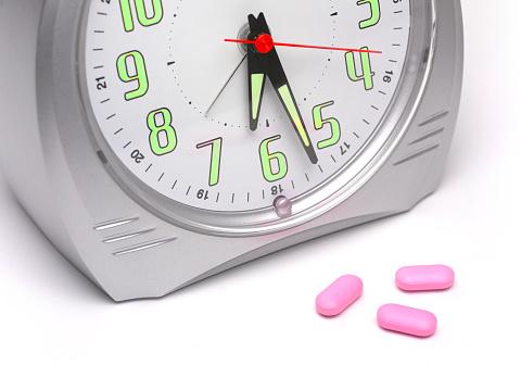 Thyroxine「Pills by alarm clock」:スマホ壁紙(5)
