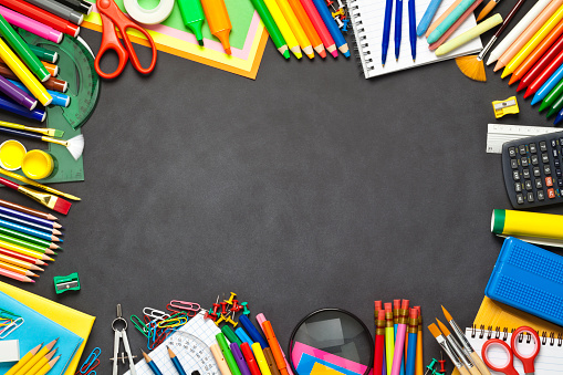 Blackboard - Visual Aid「School supplies border on black chalkboard」:スマホ壁紙(17)