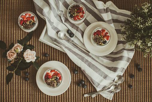 Breakfast「Home made yogurt pots with fresh fruit, seeds and nuts」:スマホ壁紙(14)