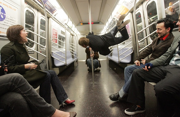 Subway Train「New Years Revelers Ride The Subway」:写真・画像(11)[壁紙.com]