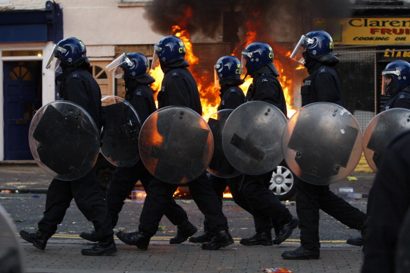 Riot Police「Riots And Looting Continues Across London」:写真・画像(15)[壁紙.com]