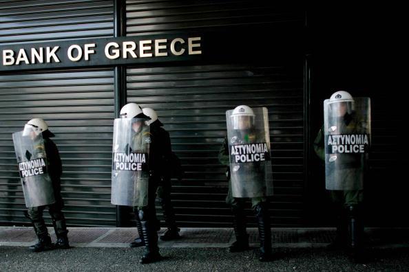 Crisis「Greece Crippled By General Strike」:写真・画像(3)[壁紙.com]
