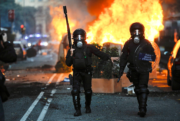 Riot Police「General Strike Hits Spain」:写真・画像(7)[壁紙.com]