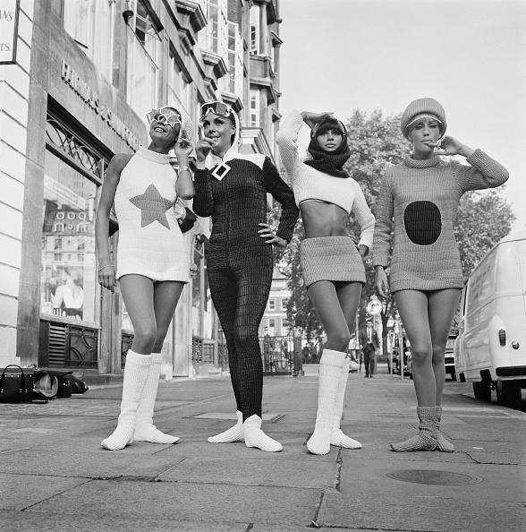 Four People「Modern Fashions」:写真・画像(12)[壁紙.com]