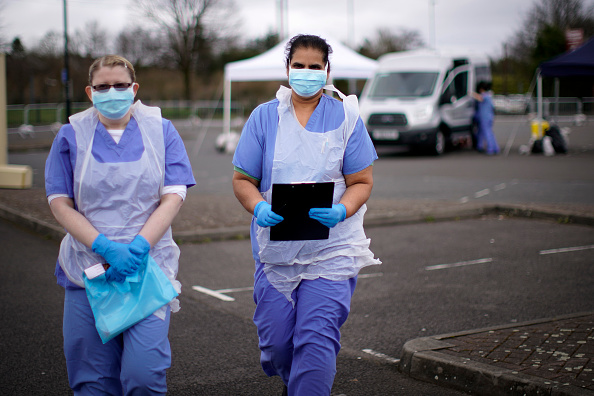 イギリス「Drive-Through Coronavirus Test Site Established In Wolverhampton」:写真・画像(4)[壁紙.com]