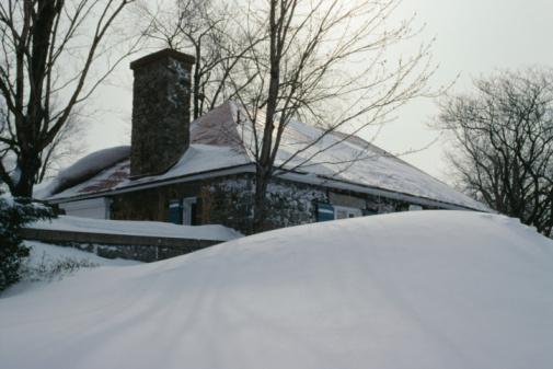 Snowdrift「Snowed in house」:スマホ壁紙(19)