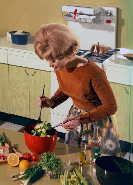 Salad「Kitchen scene, Warwick, Warwickshire, 1966. Artist: Michael Walters」:写真・画像(2)[壁紙.com]