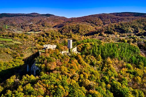 Monte Amiata「Rocca Silvana fort on Monte Amiata, Tuscany, Italy」:スマホ壁紙(8)
