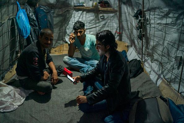 Greece「Overcrowding Continues At The Moria Refugee Camp」:写真・画像(4)[壁紙.com]