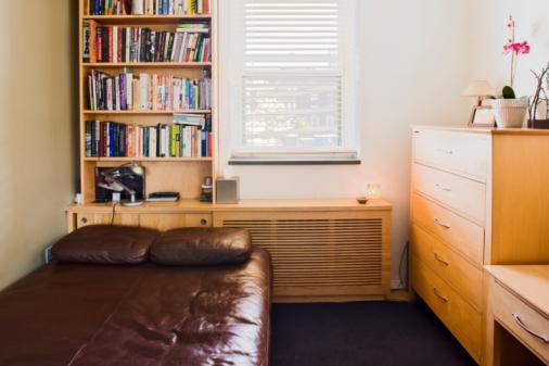 Studio Apartment「Small bedroom in New York City apartment」:スマホ壁紙(18)