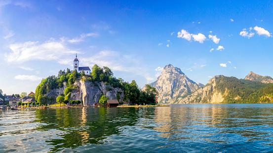 Island「Traunsee lake in Alps -Salzburg, Salzburger Land」:スマホ壁紙(2)