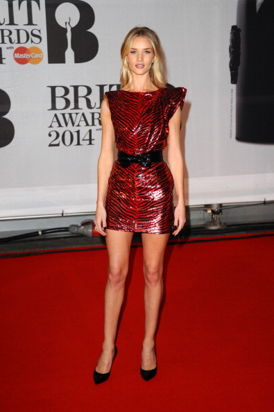 Rosie Huntington-Whiteley「The BRIT Awards 2014 - Red Carpet Arrivals」:写真・画像(5)[壁紙.com]