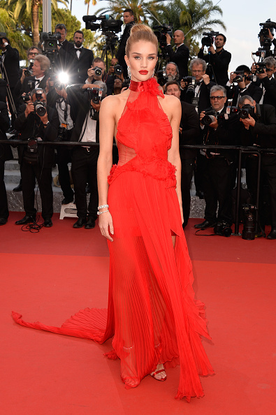"""Rosie Huntington-Whiteley「""""The Unknown Girl (La Fille Inconnue)"""" - Red Carpet Arrivals - The 69th Annual Cannes Film Festival」:写真・画像(1)[壁紙.com]"""