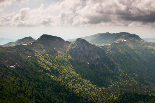 Auvergne-Rhône-Alpes「Auvergne landscape from Puy Mary summit」:スマホ壁紙(16)