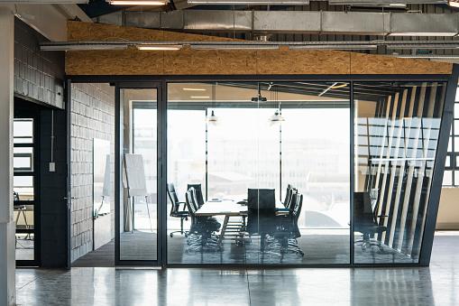 Southern Africa「Board room seen through glass in creative office」:スマホ壁紙(18)