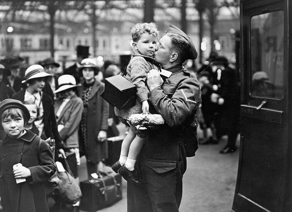World War II「Evacuation Farewell」:写真・画像(19)[壁紙.com]