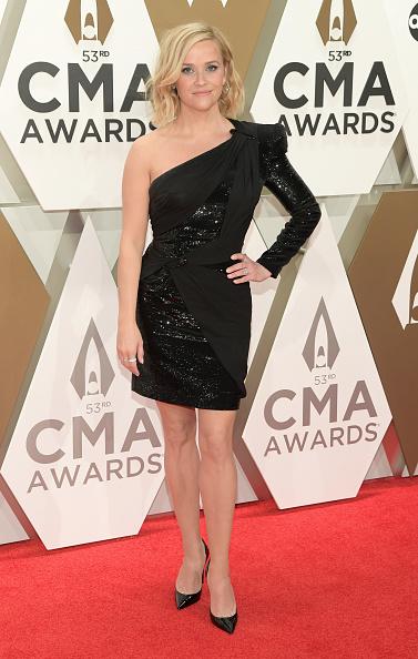 Asymmetric Dress「The 53rd Annual CMA Awards - Arrivals」:写真・画像(17)[壁紙.com]