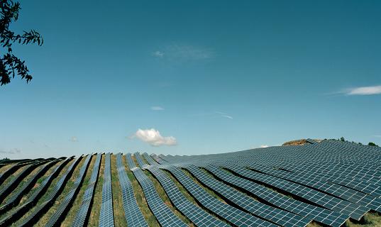 Environmental Issues「Field with solar panels」:スマホ壁紙(9)