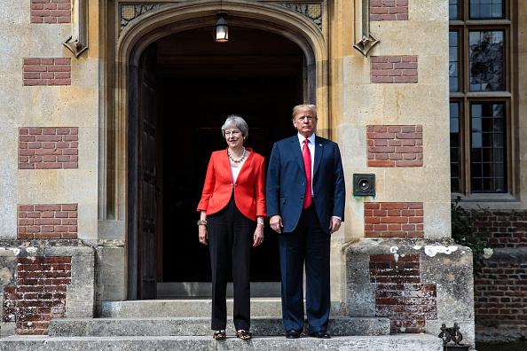 全身「President Donald Trump And British Prime Minister Theresa May Hold Bi-lateral Talks At Chequers」:写真・画像(0)[壁紙.com]