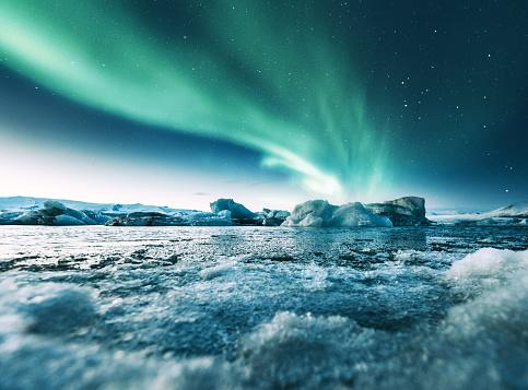 Iceland「aurora borealis in iceland at jakulsarlon」:スマホ壁紙(3)
