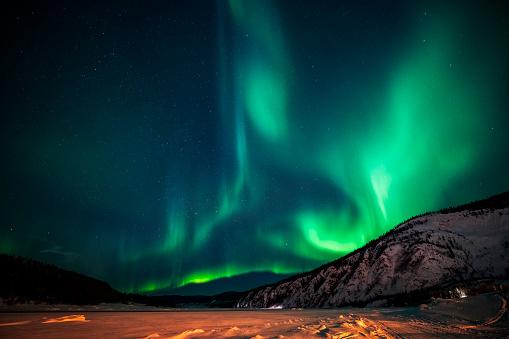 Aurora Polaris「Aurora borealis,Yukon Territory,Canada」:スマホ壁紙(9)