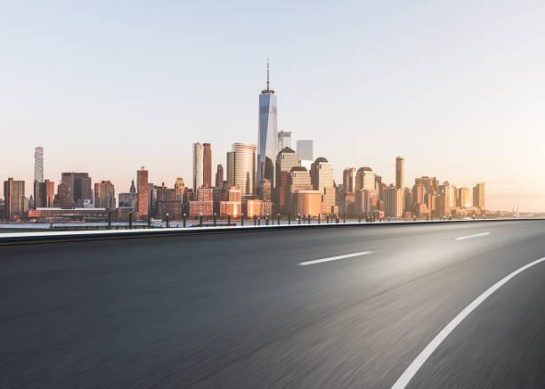 Highway through Manhattan:スマホ壁紙(壁紙.com)